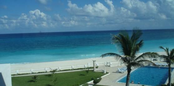 Villa frente al mar caribe 3 recamaras villa nizuc for Villas kabah cancun ubicacion